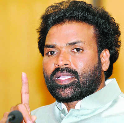 Karnataka Elections 2018: Revolting feeling for Sriramulu in Molakalmuru