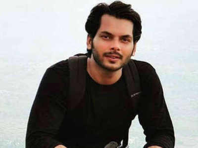 Television actor Akshat Utkarsh found dead in his Andheri apartment, family alleges murder