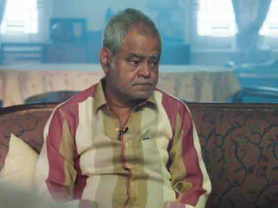 Kaamyaab trailer: Sanjay Mishra portrays the tale of a once famous 'side' actor in this Shah Rukh Khan production
