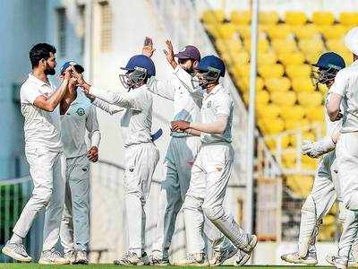 Pujaraout cheaply again as Vidarbha take charge