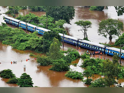 Four silent heroes who helped during Mahalaxmi Express rescue operations near Badlapur