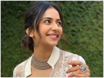 Rakul Preet's befitting reply to KRK's jibe after video goes viral