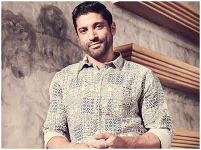 Farhan Akhtar releases consignment of PPE kits to Cama Hospital