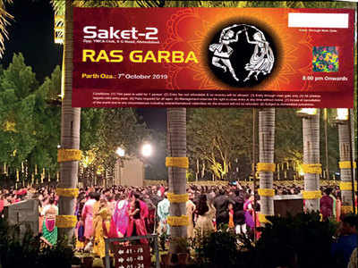 Navratri 2019: Garba shocker shocks again