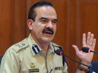 IPS officer claims ex-CP Param Bir Singh asked him to 'close probe'