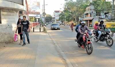 Bengaluru: Riding on pavement, man rams into, assaults Briton