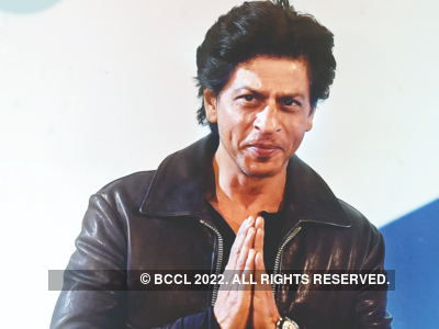 SRK donates 2000 PPE kits to COVID-19 warriors in Chhattisgarh