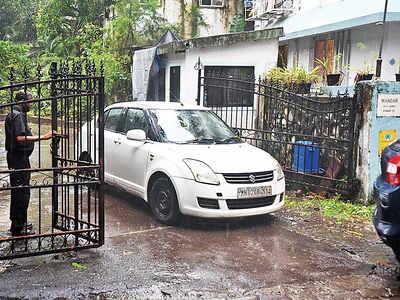 Bengaluru police search Vivek Oberoi's Juhu home