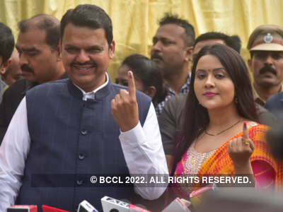 Maharashtra Assembly Elections 2019 Results: Trends at 9am - Pankaja Munde, Pradeep Sharma trailing, Devendra Fadnavis, Ajit Pawar, Aaditya Thackeray leading