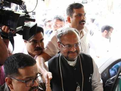 Kerala court cancels rape-accused Bishop Franco Mulakkal's bail; issues arrest warrant