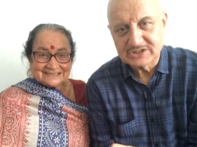Anupam Kher: Mother declared healthy by doctors, ready to be discharged for home quarantine