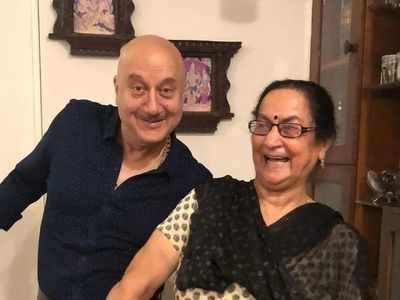 Anupam Kher on mother battling coronavirus: I knew she was better when she called me 'pagal'