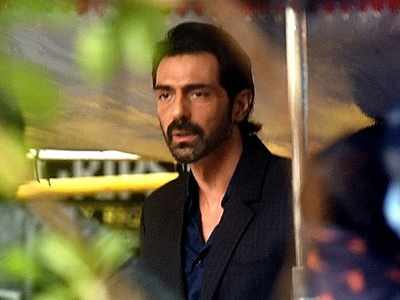 Arjun Rampal tests negative for COVID-19, actor to get himself tested again in four days