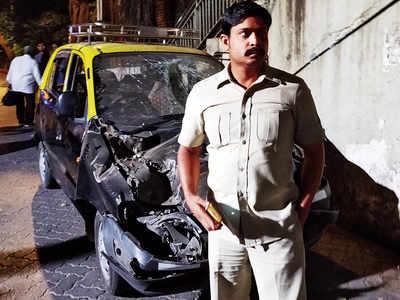 Mumbai CSMT bridge collapse: Debris crashed into his cab, says witness