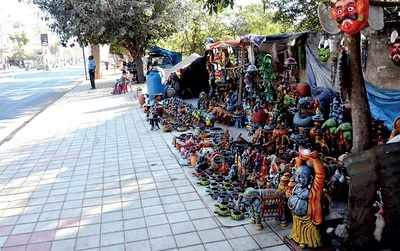 Bengaluru: Whitefield footpaths hijacked by hawkers