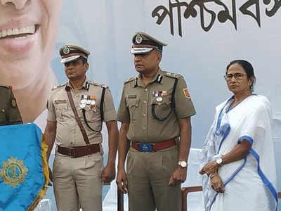CBI vs Mamata Banerjee live updates: SC to hear CBI's plea on Tuesday