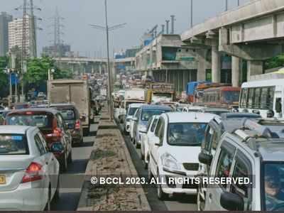 Heavy traffic on Western Express Highway; lockdown restrictions, metro work add to jams