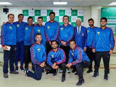 Experienced India take on adepleted Pakistan