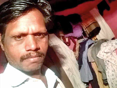 Mall staffer kills self, names money lender in suicide note