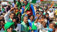 Bengaluru: Thousands of farmers protest against new agriculture laws on Republic Day