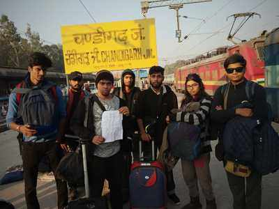 Seven youth duped by travel agent; police, GRP refuse to file complaints