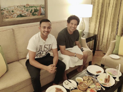 Ahead of Delhi Capitals vs Mumbai Indians match, Sachin Tendulkar and Prithvi Shaw enjoy dinner together