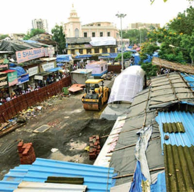 Kurla railway stn gets Independence Day gift