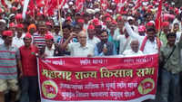 Maharashtra: Thousands of farmers participate in march demanding complete loan waiver