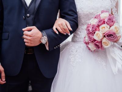 Spanish designer dresses last brides as coronavirus halts weddings