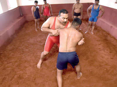 Constables' training with noted wrestler packs a hefty punch
