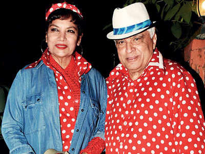 Javed Akhtar brings back the seventies  at his 75th birthday bash