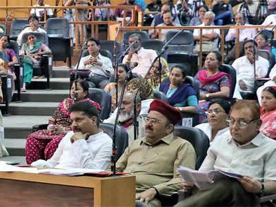 AMC board meeting: Opposition alleges scam in development schemes