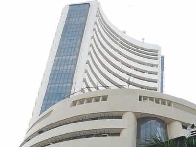 Sensex tanks 487 points as trade jitters take a toll