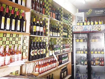 Liquor dens run in backyard of Gujarat CM's house: Vaghela