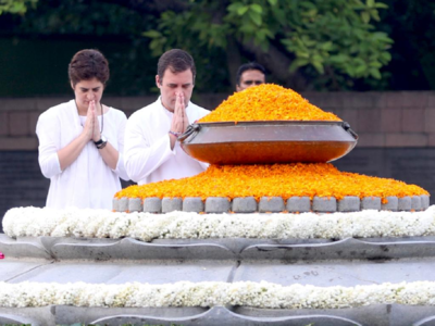 Top Congress leaders pay tribute to Rajiv Gandhi on 75th birth anniversary