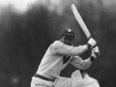 Batsmanship and grace: The life of Everton Weekes