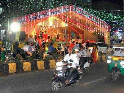 Should roadside Ganesh pandals be allowed in Ahmedabad?