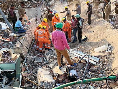 Two rescued as bldg collapses in Punjab