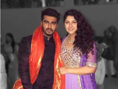 Anshula Kapoor wishes Arjun Kapoor on his birthday; says 'You are the reason I breathe'