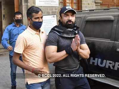 Ajaz Khan's interrogation leads NCB to recover drugs from TV actor's house