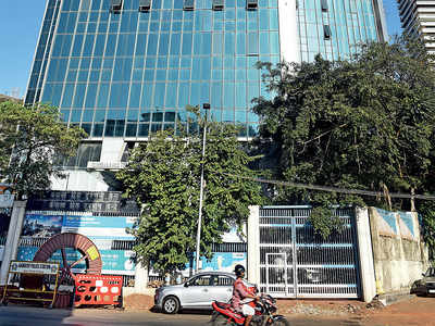 Housing societies chasing MTNL for rent of terrace towers