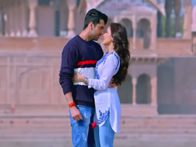Dream Girl new song Ik Mulaqaat captures the excitement of first date