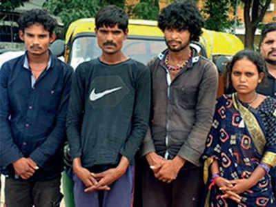 Crime branch arrests four of rickshaw gang