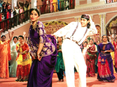 Hum Aapke Hain Koun..! completes 26 years: Madhuri Dixit, Renuka Shahane thank their fans