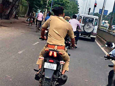 Not 'fine' for cops to flout traffic rules