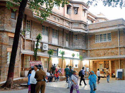 BMC issues notices to 20 officials in charge of civic hospital drug stores