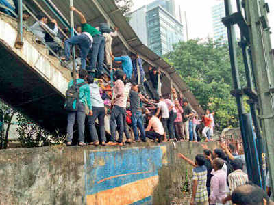 Elphinstone Road station stampede: GRP, RPF, railway station staff given clean chit