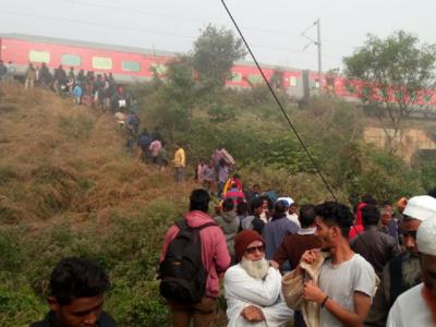 Mumbai-Bhubaneswar LTT Express derailment: Helplines set up at CSMT, Thane, Dadar and Kalyan stations