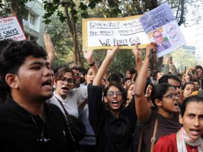 Anti-CAA protests reach Mumbai; students take to streets