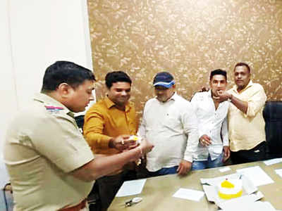 Cops from Bhandup police station celebrate birthday of man accused in abduction, assault cases; five suspended
